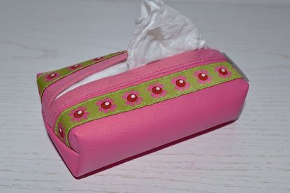 Bild von Taschentuchtascherl Kunstleder pink Blumen