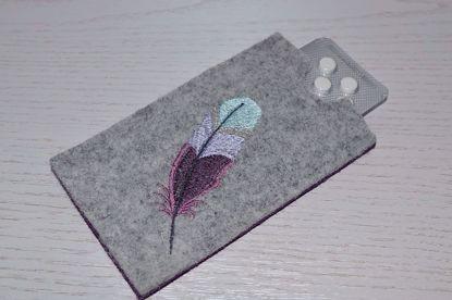 Bild von Tabletten-Etui Feder grau/dunkellila